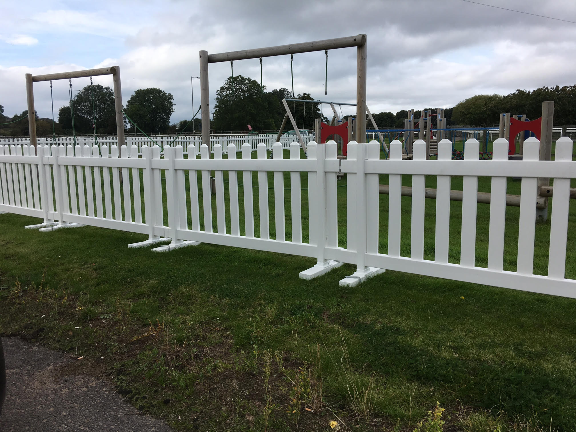 Social Distancing Picket Fencing